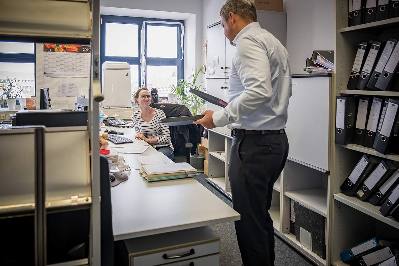 eins5acht Rechtsanwälte Notare - Backoffice Unterschriftenmappen