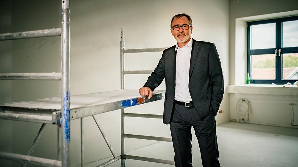Bernd Kunzmann auf der Baustelle
